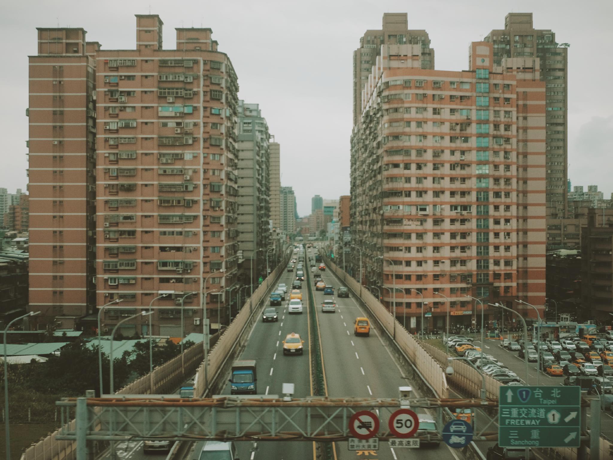 素描写生捷运地景建筑